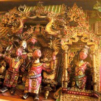 Rare Qing Dynasty puppets, in a Peking opera setting.